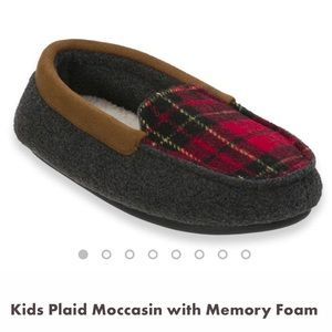 Other - NWT Dearforms Plaid Moccasin Slippers